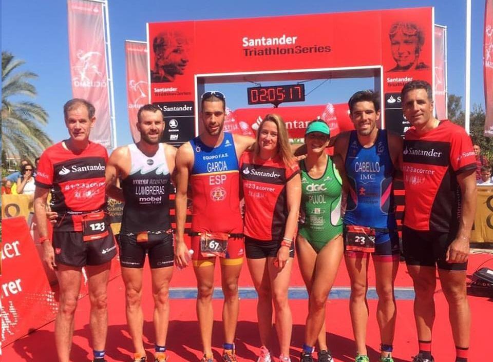 Álvaro García Gañan triunfa en el Triatlón Puerto de Sevilla